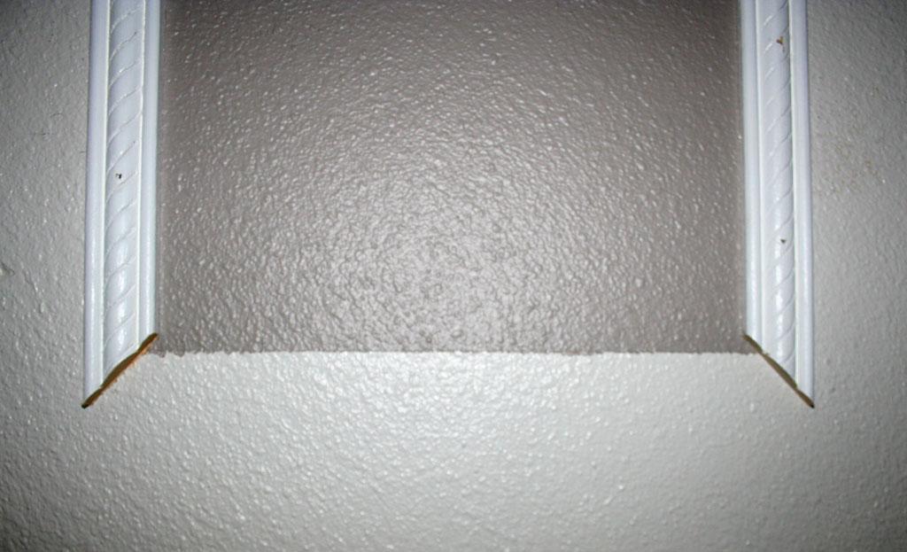 stairway-landing-wall-14