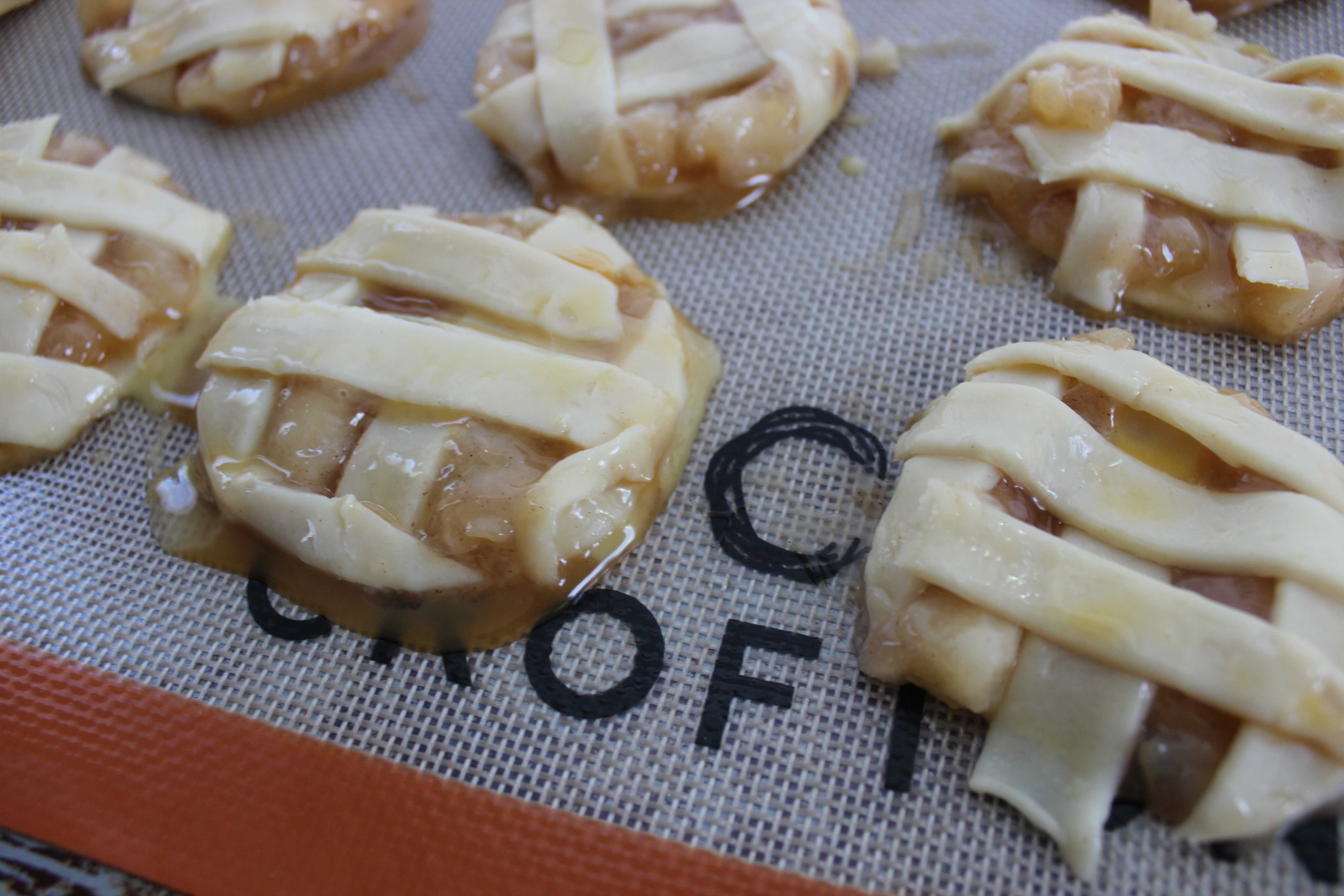 All the taste of Apple Pie in a cute little package. Plus, these have caramel! Yum!
