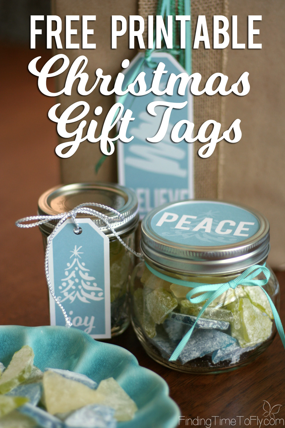 Love these blue printable Christmas gift tags! Simple, elegant gift tags that will go with silver and gold Christmas decor or even my Coastal Christmas theme. There are even round labels that fit large and small mason jar lids!